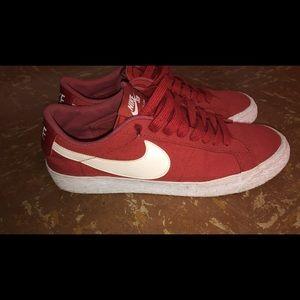 Nike blazers low